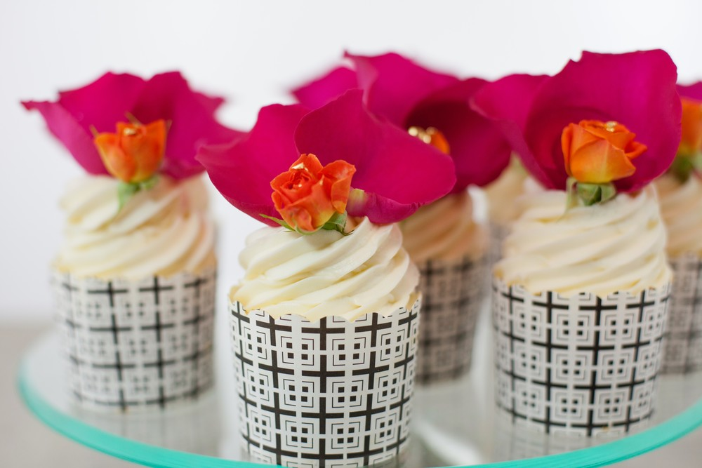 Eats hero (Extraordinary Desserts).jpg