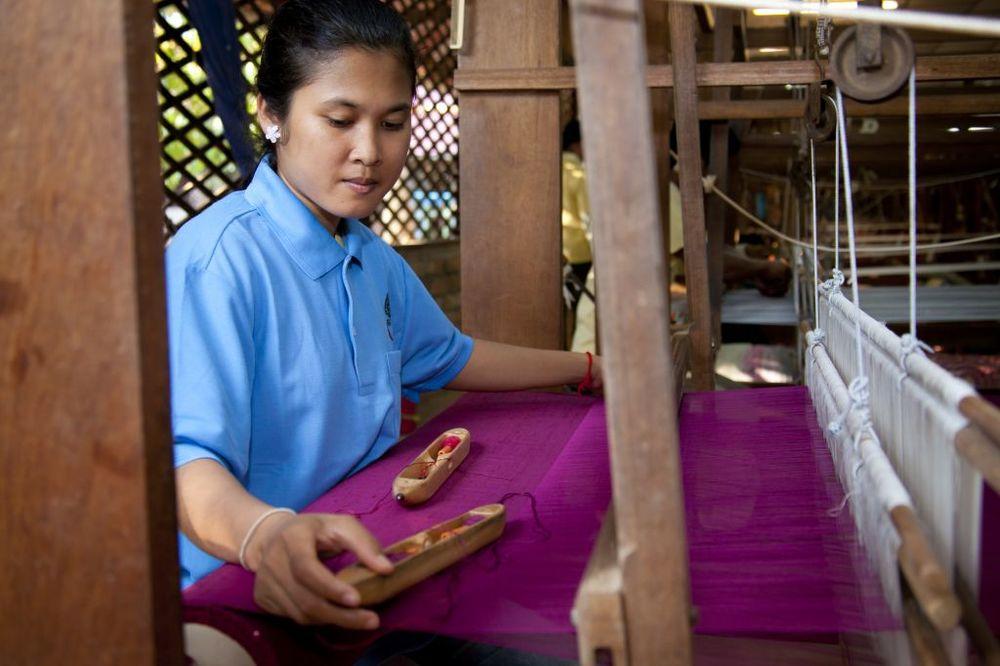 2/Artisans Angkor