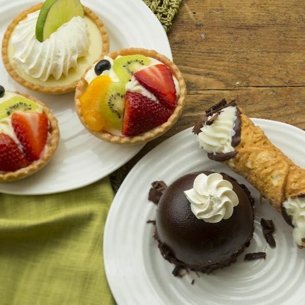 5/Kneaders Bakery & Café