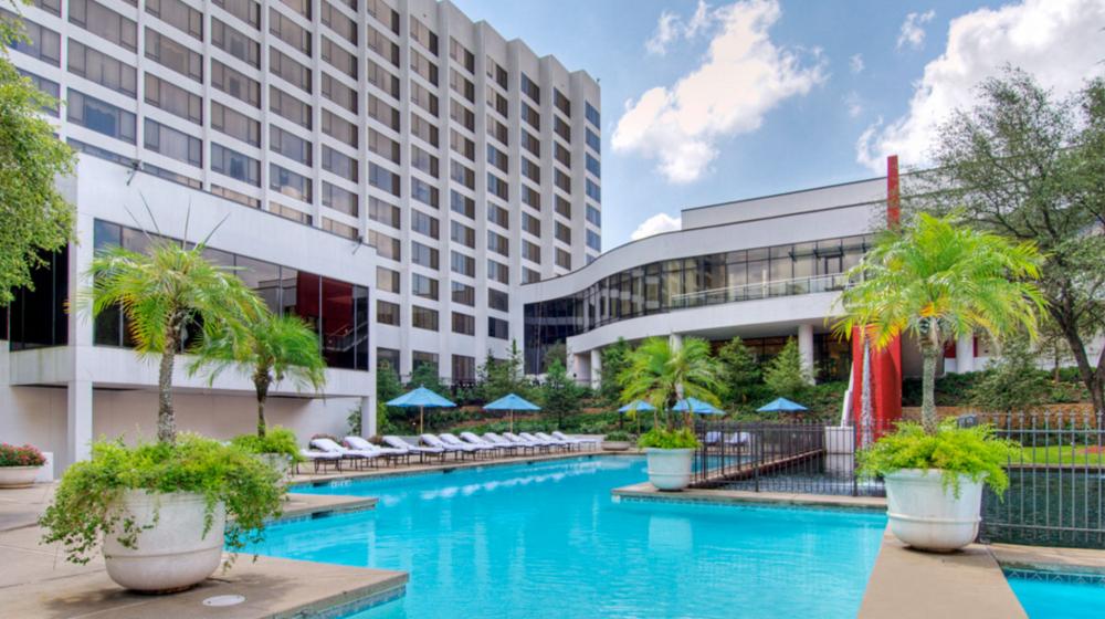7/Magnolia Hotel