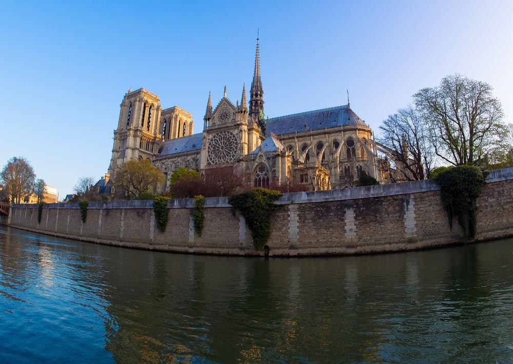 3/Cruise the Seine