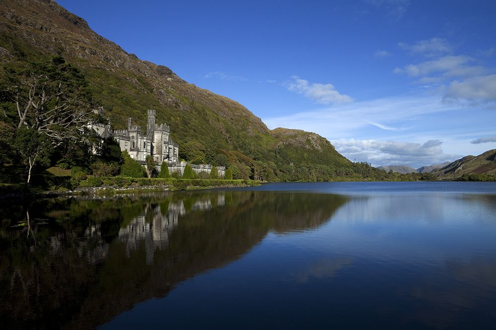 10/Gaze at Kylemore Abbey