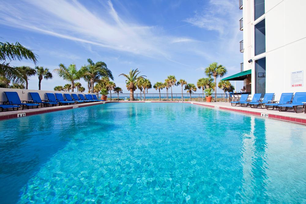 8/Holiday Inn Lido Beach