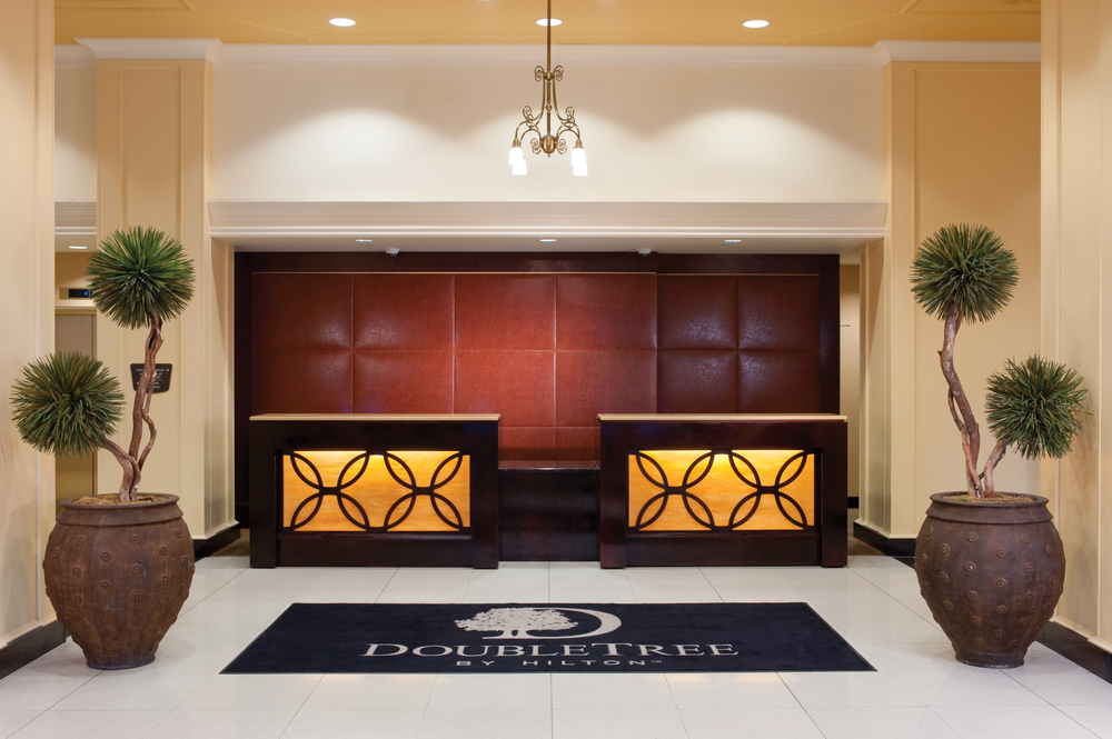 8/Doubletree Suites by Hilton Downtown Detroit - Fort Shelby