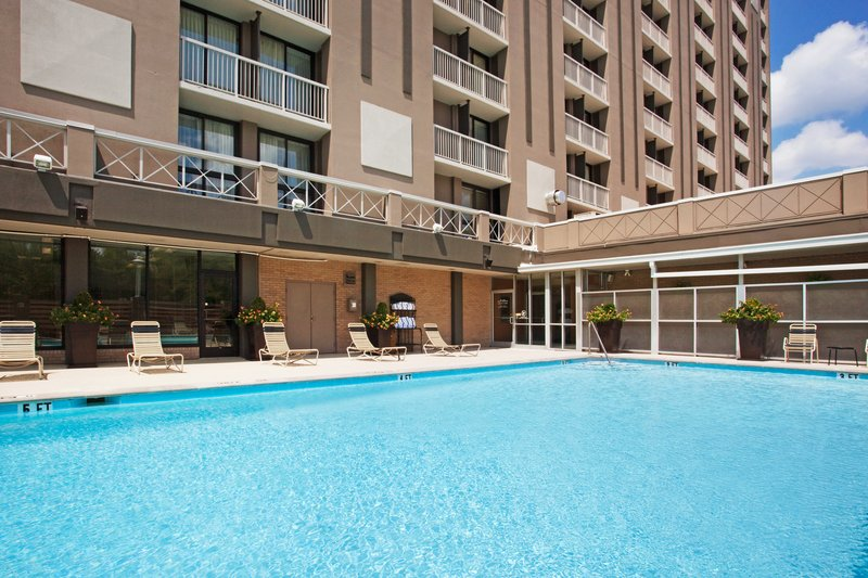 6/Holiday Inn Nashville-Vanderbilt-Downtown