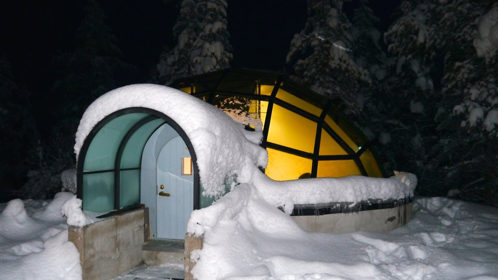 12-24-14 Igloo outside copy.JPG