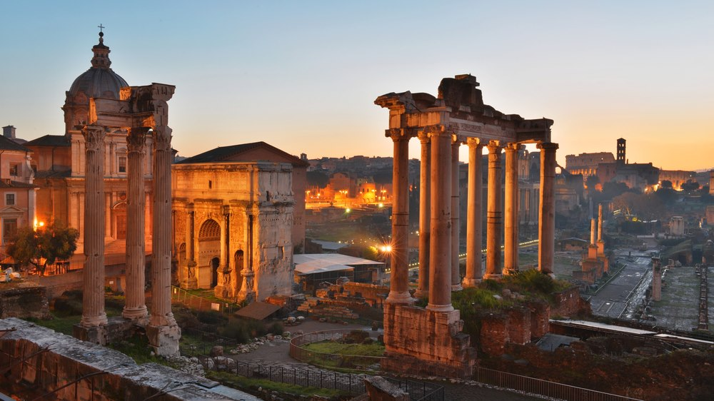 2/Take a private tour of the Roman Forum & Colosseum