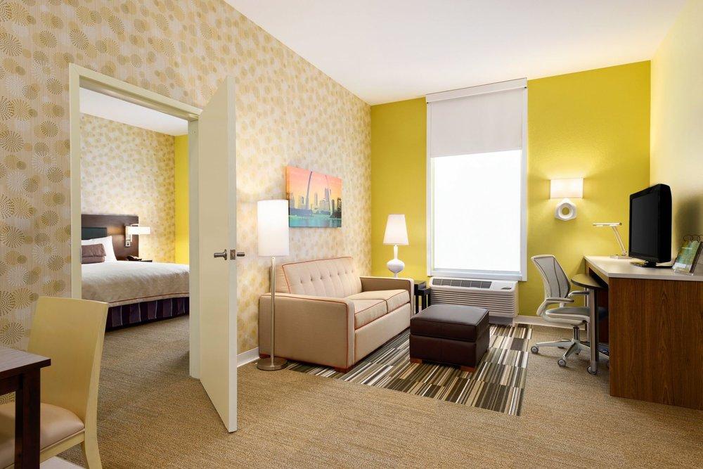 6/Home2 Suites by Hilton St. Louis Forest Park