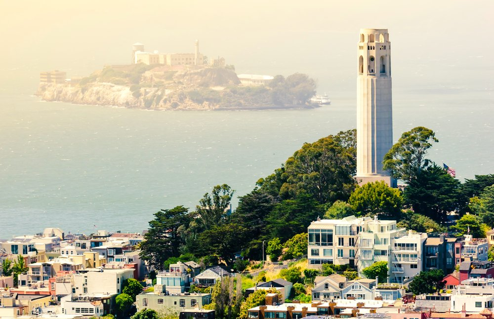 5/Pose for selfies at Coit Tower