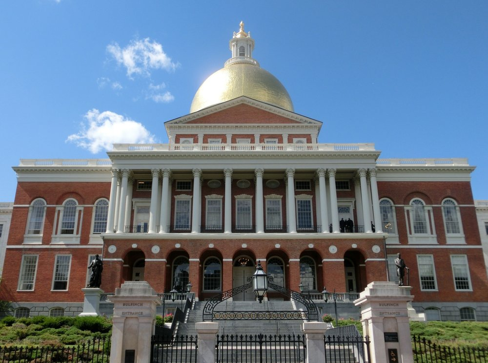8/Massachusetts State House