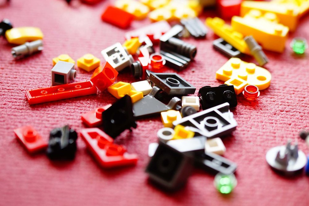 3/Make travel LEGO kits