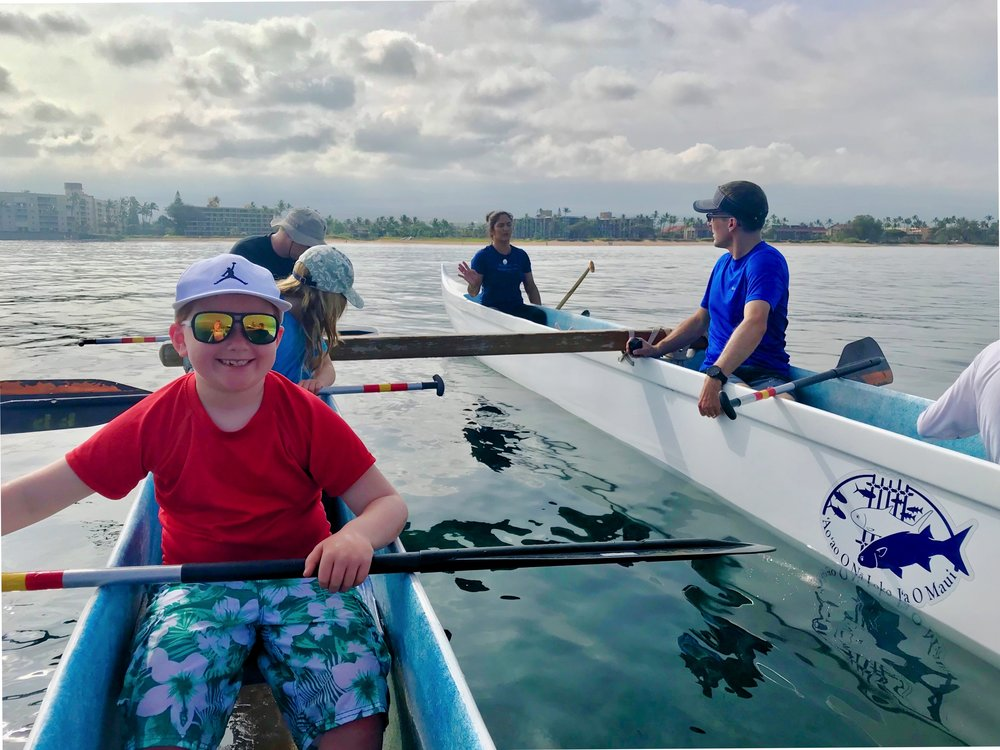 1/Paddle an outrigger canoe