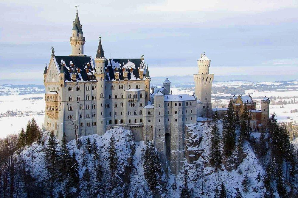 When to go to Europe Neuschwanstein