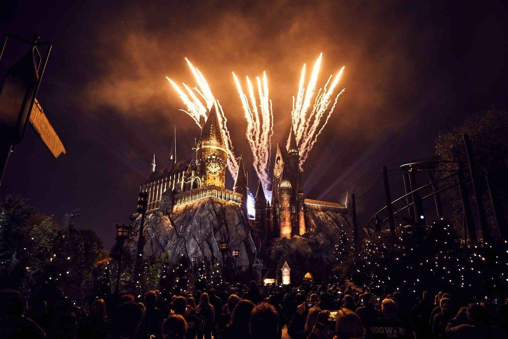 4:Nighttime Lights at Hogwarts Castle.jpg