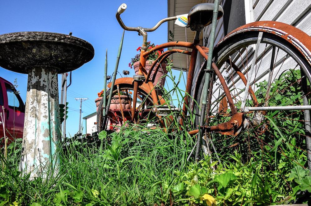 L1025668_BikeRed_sm.jpg