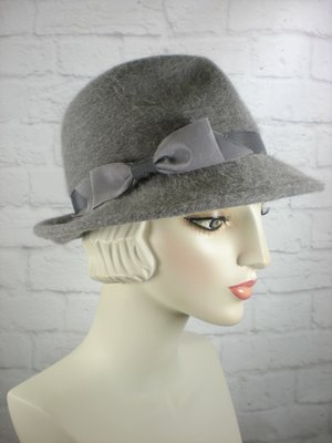 Women s Menswear Warm Wool Felt Fedora Hat in Soft Gray for Winter 6b7bedd5b