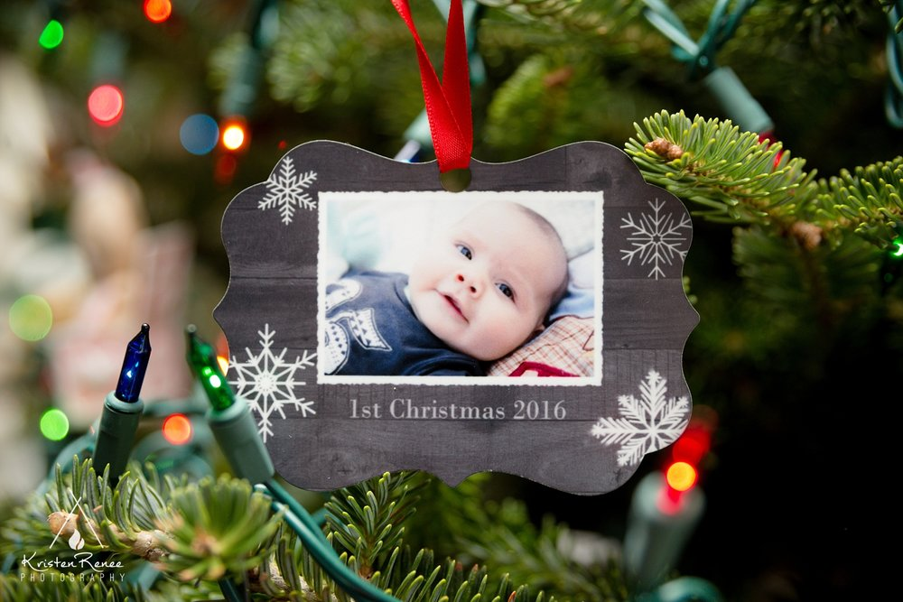 Armstrong Christmas - Kristen Renee Photography_0007.jpg