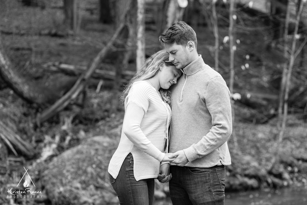 Saraand Tyler's Engagement_0015.jpg