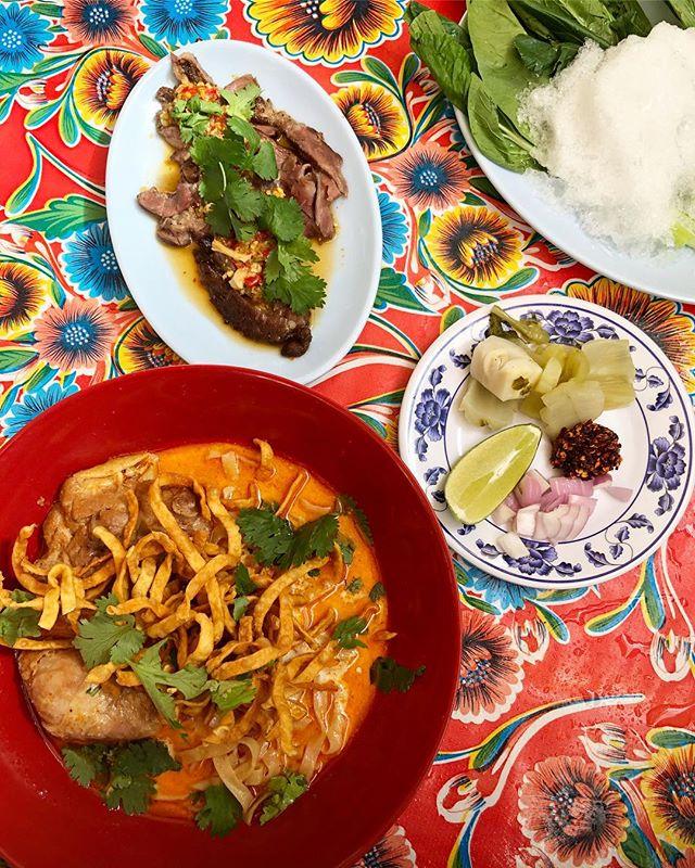 Lunch at #pokpoknoi // Khai Soi & Muu Paa Kham Waan (spicy boar collar)
