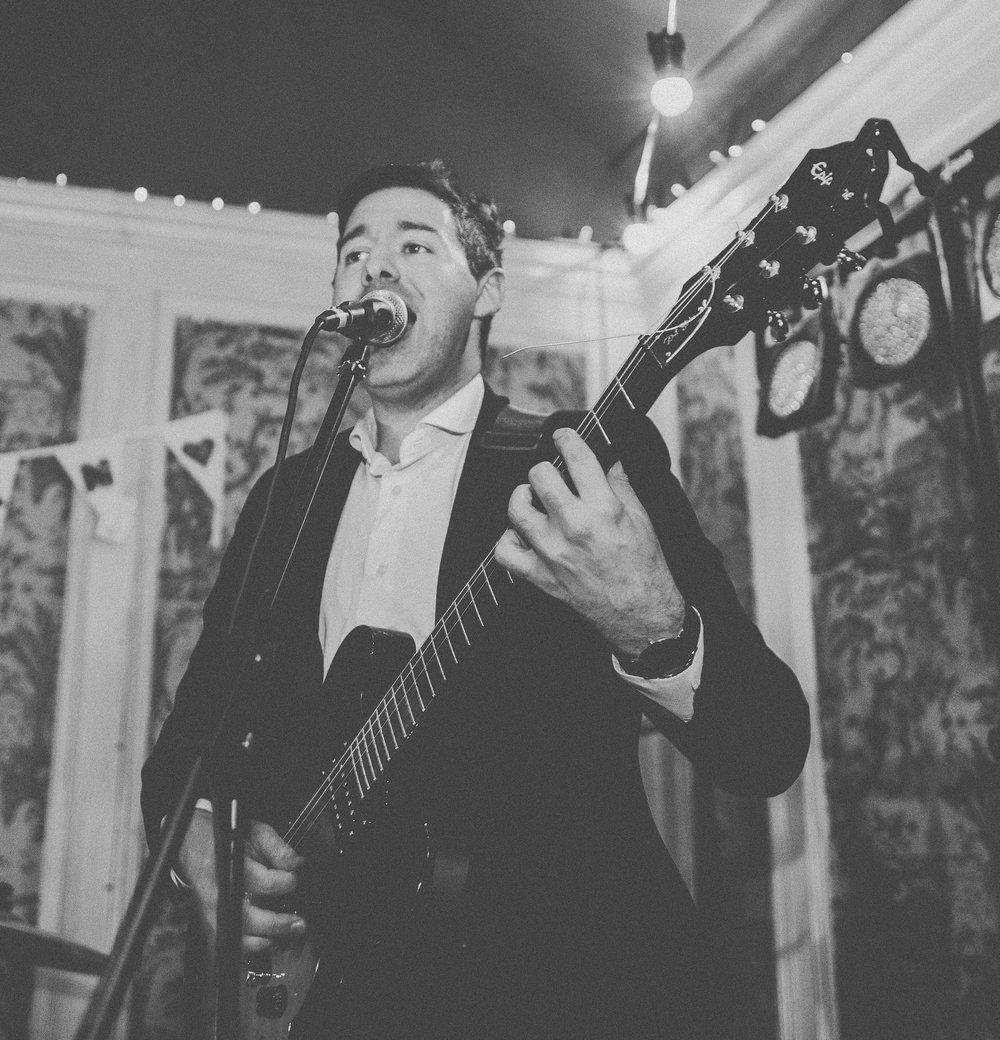 smokin'-jacks'-music-functions-wedding-band-singer