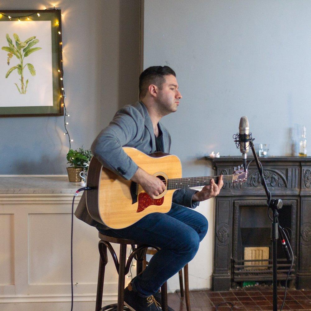 Paul-wedding-singer-guitarist-corporate-function.jpg