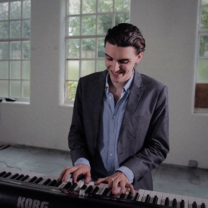 Dan-solo-piano-weddings-corporate-reception.jpg
