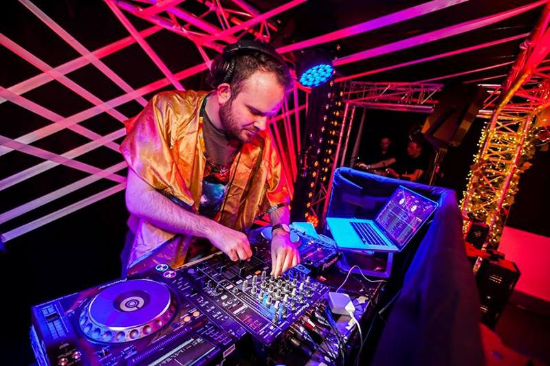graeme-dj-events-party-functions-weddings.jpg