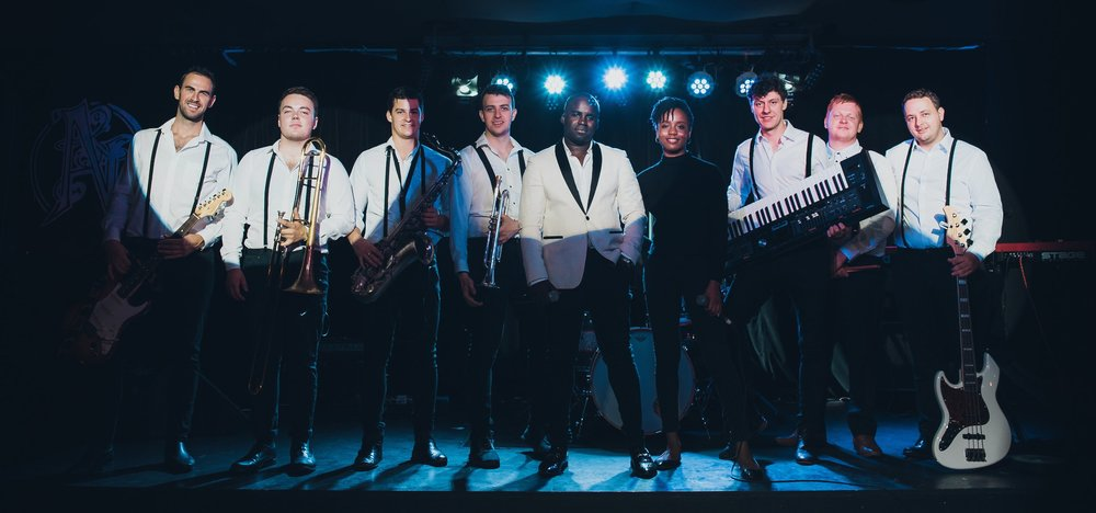 In-the-Groove-International-Showband