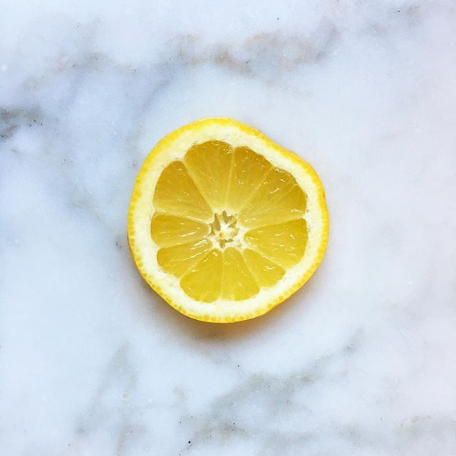 Keep your body healthy and running on all cylinders as the days get shorter and these cold, dark wintery days settle in with LEMONS! 🍋 Why? Lemons create an alkaline environment in your body. 🍋 Many health practitioners have confirmed that illness cannot thrive in an alkaline environment. #themoreyouknow #realpeoplewhojuice #tonicjuicery