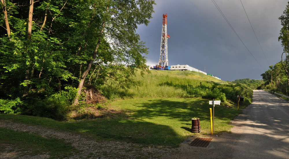XTO's Christiansen well pad and rig in the Laurel Highlands.  © Brian Cohen/MSDP 2011