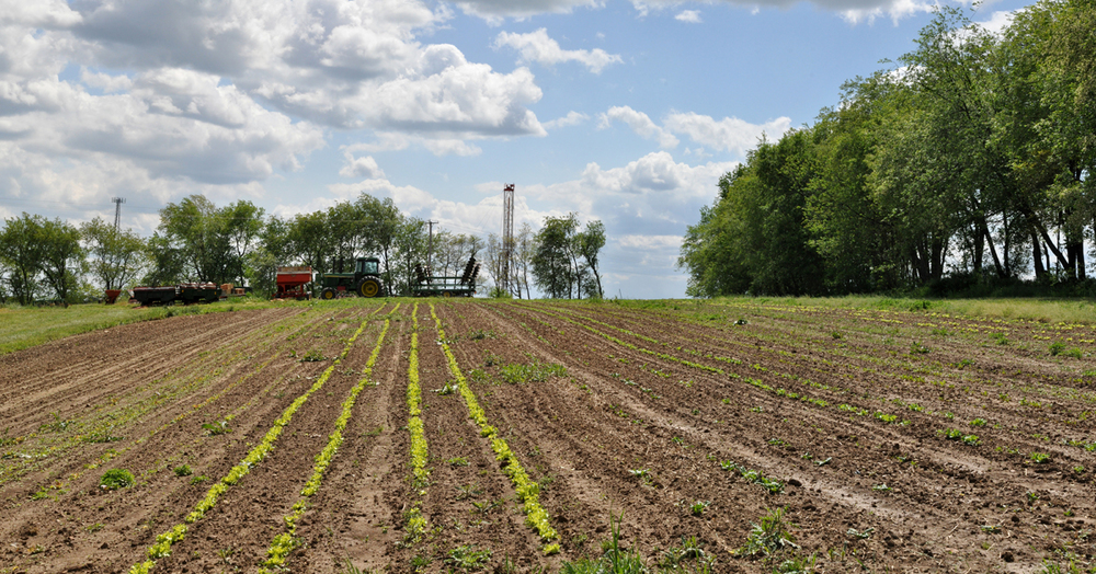 An XTO drilling rig at the Marburger dairy farm in Butler County.    © Brian Cohen/MSDP 2012