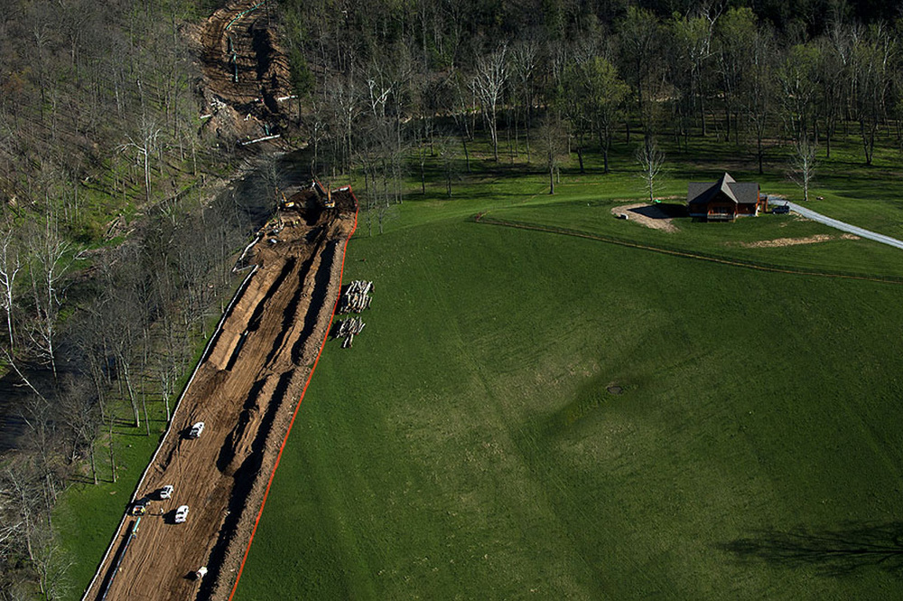 Aerial view of pipeline construction in Greene County.  ©    Martha Rial/MSDP 2012