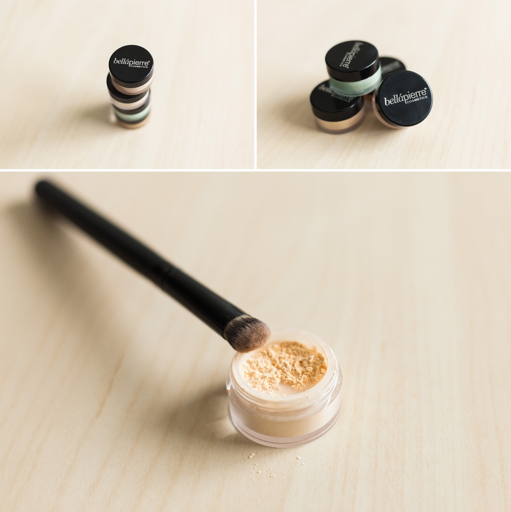 pictured here:  Bella Pierre Extreme Concealing Kit  with Banana Setting Powder and Concealer Brush