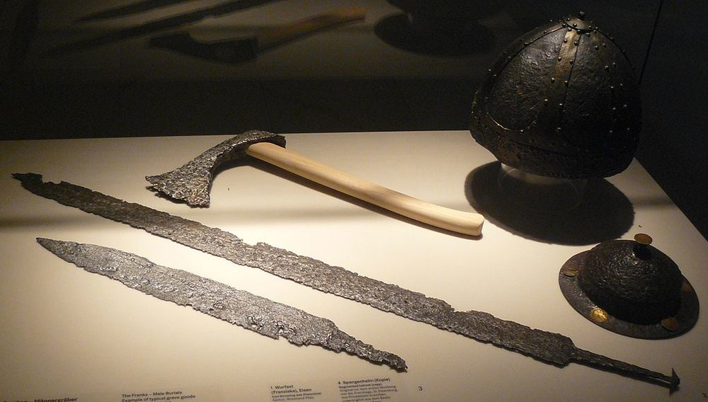 Frankish weapons