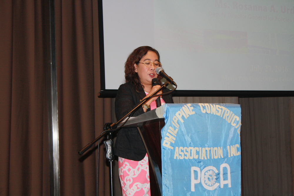 TESDA Deputy Director General for Policies and Planning, Rosanna Urdaneta during her guest speaker speech.