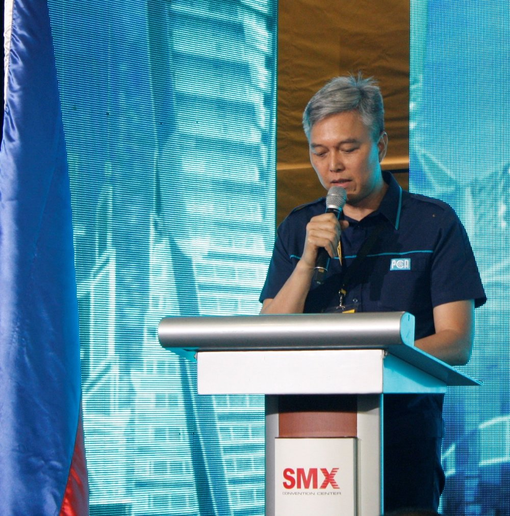 Engr. Wilfredo Decena, PHILCONSTRUCT 2016 over-all event chairman speaks before exhibitors and guests in the event's opening ceremony held at the SMX Convention Center.