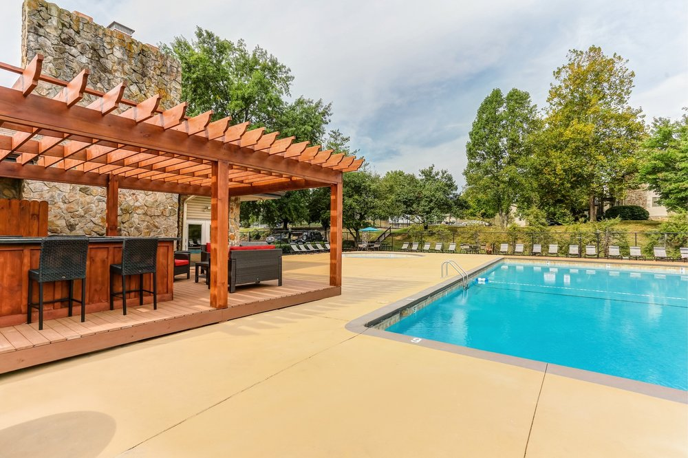 Country Oaks Knoxville Pool 8 - Small.jpg