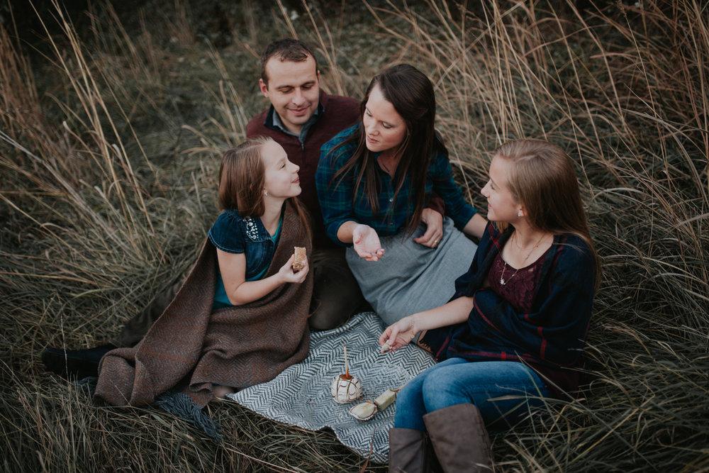 Neufind Family-4977.jpg