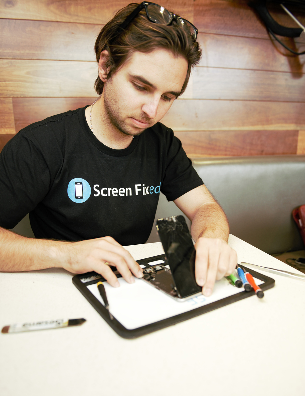 Screen Fixed offers on-demand phone repairs at the time and place of the customer's choosing