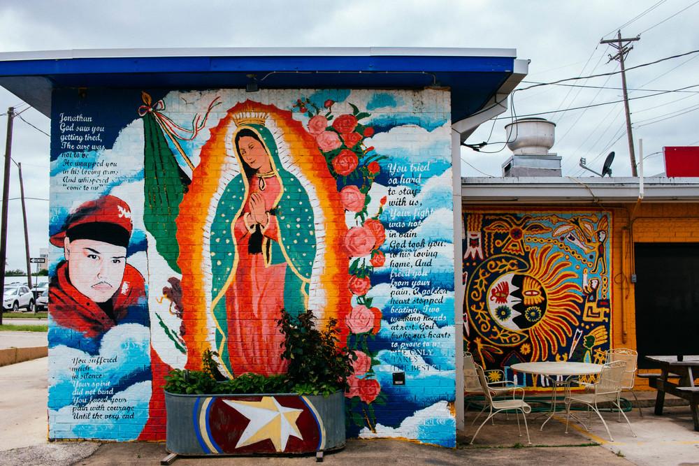 This heavenly mural outside of La Estrella Mini Market. Photo by Adrian Samano.