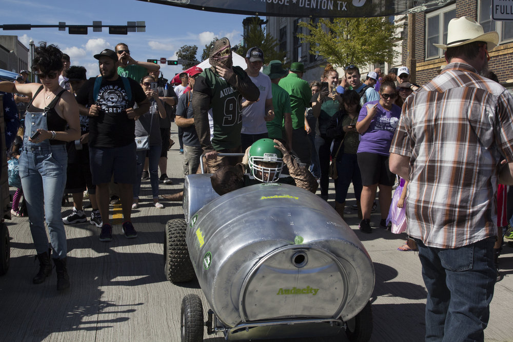 Coffin Races 2016-63.jpg