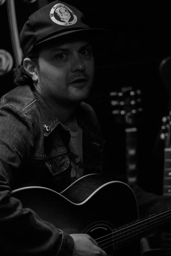 Gibon Guitar Photos-4.jpg