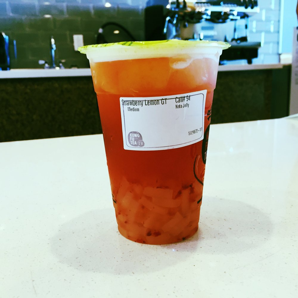 Strawberry Lemonade with Nata Jelly