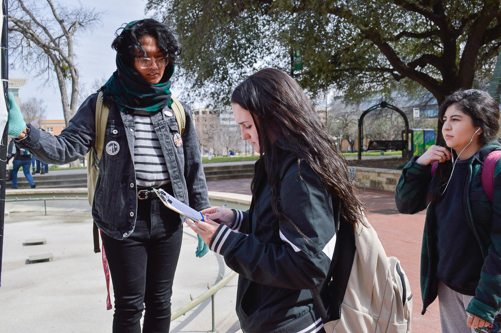 A petition being signed by students against UNT's decision to bring CBP/ICE on campus.