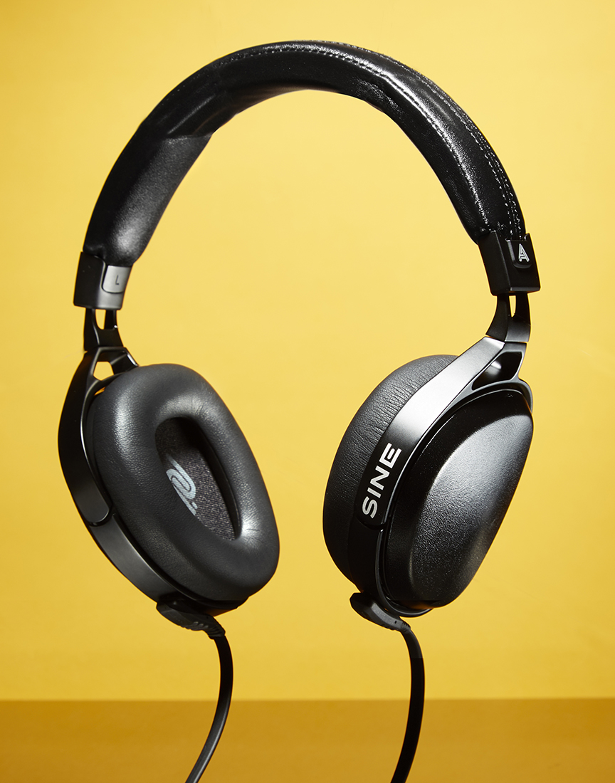 Novak_MJGear_headphones.jpg