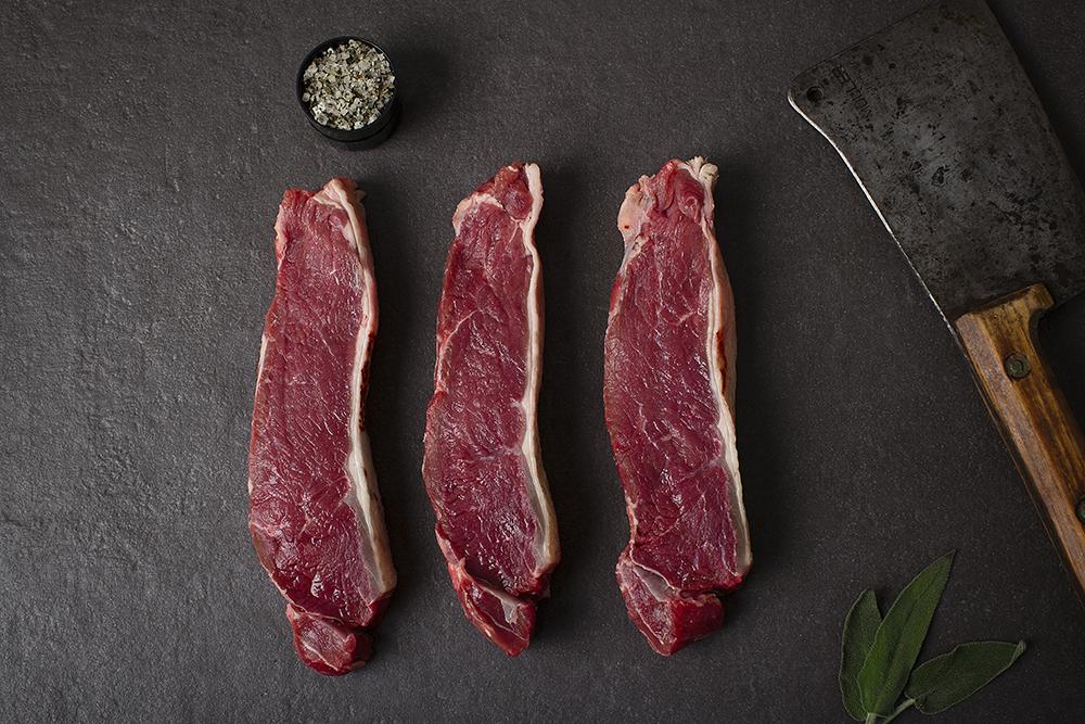 Rind-, Schweine-, Puten- und Lammfleisch erweitern die Produktpalette.