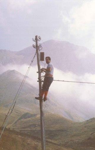 Alpi Apuane, revisione dei pali telefonici, anni '80