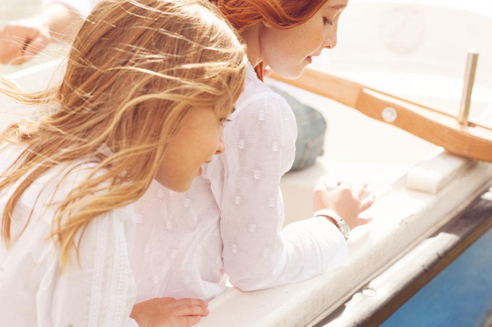 children/ - Fotografía de moda infantil pensada, creada y sentida desde la experiencia personal de Lucia Marcano Alvarez para marcas españolas e internacionales que quieren comunicarse a través de imágenes evocadoras, potentes y ricas en referencias cinematográficas, pictóricas y naturales.