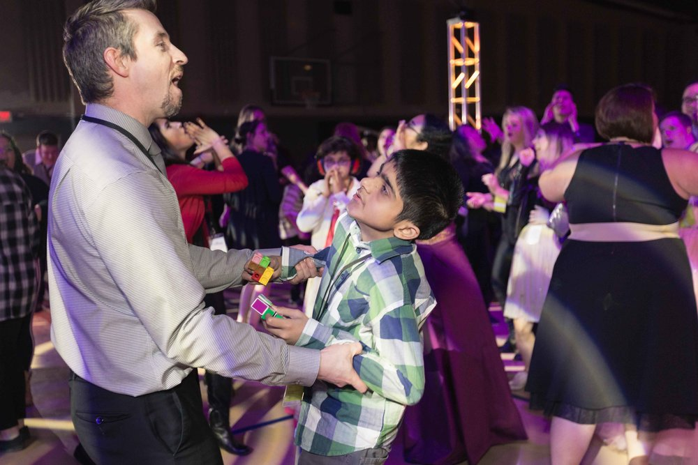 InBetweenDreamsWedding_NightToShine2018_HorizonChurch (297 of 514).jpg