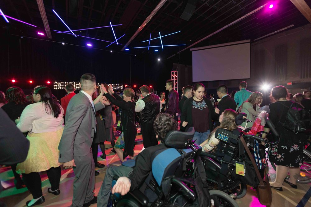 InBetweenDreamsWedding_NightToShine2018_HorizonChurch (322 of 514).jpg